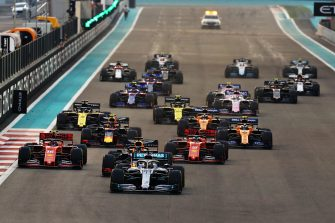 ABU DHABI, UNITED ARAB EMIRATES - DECEMBER 01: Lewis Hamilton of Great Britain driving the (44) Mercedes AMG Petronas F1 Team Mercedes W10 leads the field at the start during the F1 Grand Prix of Abu Dhabi at Yas Marina Circuit on December 01, 2019 in Abu Dhabi, United Arab Emirates. (Photo by Mark Thompson/Getty Images)