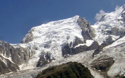 Monte Bianco, sciatore francese Hugo Hoff muore dopo caduta 700 metri