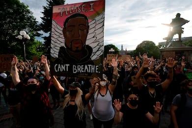 Morte George Floyd, negli Usa continuano le proteste. FOTO