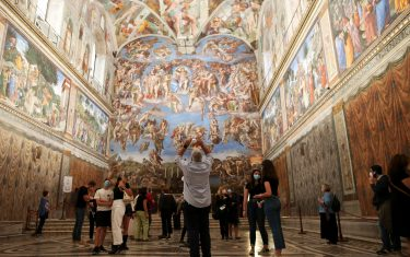 VATICAN CITY, VATICAN - JUNE 01: (EDITORIAL NEWS  USE ONLY – STRICTLY NO COMMERCIAL OR MERCHANDISING USAGE) Vistors view the Sistine Chapel frescoes at the Vatican Museums on June 01, 2020 in Vatican City, Vatican. The Vatican Museums reopened today to the public, while following the safety guidelines prescribed by Italian and Vatican health officials. They will be accessible only by reservation. (Photo by Franco Origlia/Getty Images)