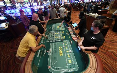 GettyImages_Coronavirus riapertura casino Las Vegas_HERO
