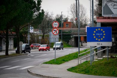 Migranti al confine sloveno fingono la scomparsa di una bimba