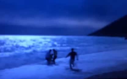 Albania, paura per Sgarbi: soccorso mentre fa il bagno in mare. VIDEO