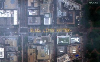 epa08470331 A photo made available by MAXAR Technologies shows a satellite image of 'Black Lives Matter' painted on the pavement of 16th Street near the White House (not pictured), the location of eight days of protests in DC over the death of George Floyd, who died in police custody, in Washington, DC, USA, 06 June 2020. DC Mayor Muriel Bowser renamed that section of 16th Street, 'Black Lives Matter Plaza' on 05 June.  EPA/MAXAR TECHNOLOGIES HANDOUT -- MANDATORY CREDIT: SATELLITE IMAGE 2020 MAXAR TECHNOLOGIES -- HANDOUT EDITORIAL USE ONLY/NO SALES