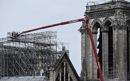 Parigi, Notre Dame: al via operazioni smontaggio impalcature. FOTO
