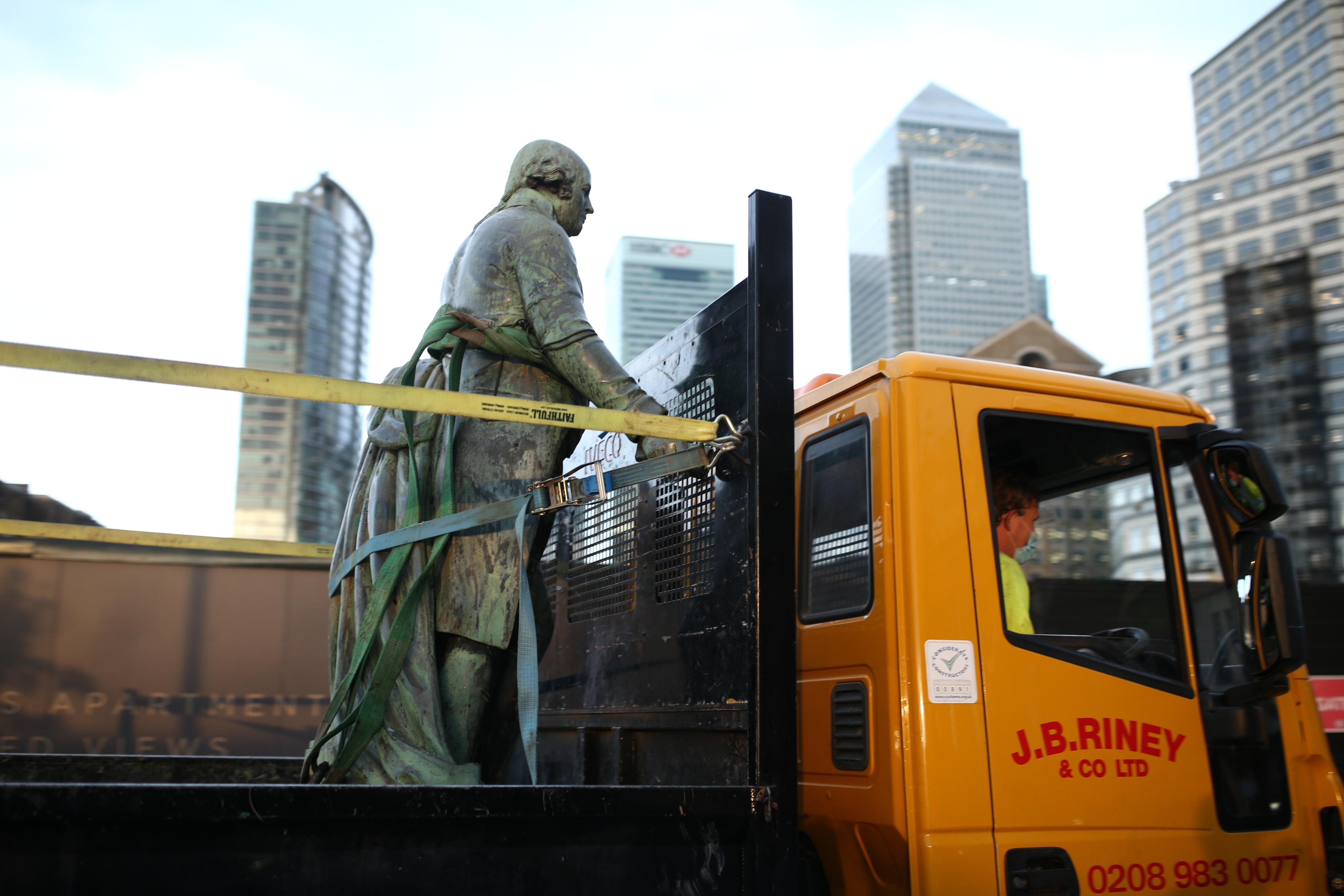 londra statua robert milligan