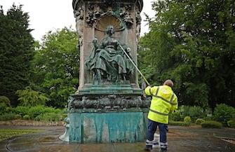 George Floyd Statue confederati rimosse