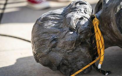 George Floyd, statua di Cristoforo Colombo abbattuta a Saint Paul