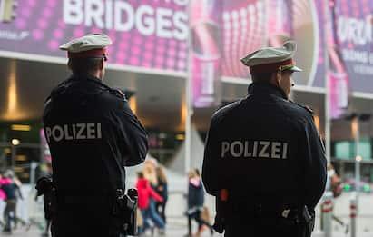 Multato per un peto contro la polizia, uomo sanzionato in Austria