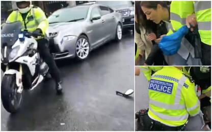 Incidente per Boris Johnson, tamponamento davanti a Westminster. VIDEO