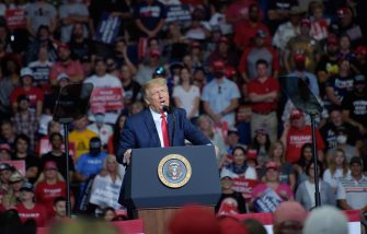 epa08499469 US President  Donald J. Trump speaks during a rally inside the Bank of Oklahoma Center in Tulsa, Oklahoma, USA, 20 June 2020. The campaign rally is the first since the COVID-19 pandemic locked most of the country down in March 2020.  EPA/ALBERT HALIM