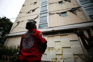 Terremoto di magnitudo 7.4 in Messico. FOTO