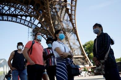 Parigi, dopo più di 3 mesi riapre la Tour Eiffel. FOTO