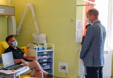 William in visita a Oxford per il vaccino anti-Covid. FOTO