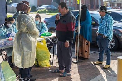 Coronavirus, a Melbourne rischio lockdown: il tampone si fa per strada
