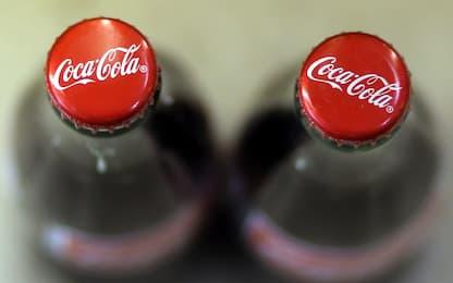 Coca Cola ritirata dal mercato: presenza di vetro nella bevanda