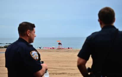 New York, riaperte le spiagge chiuse per il coronavirus FOTO