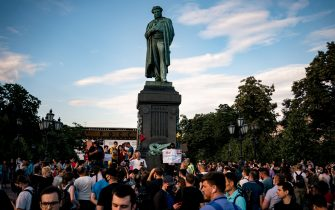 People protest against amendments to the Constitution of Russia on Pushkinskaya Square in downtown Moscow on July 1, 2020, as Russians vote in the final day of a ballot on constitutional reforms allowing President Putin to potentially stay in power until 2036. (Photo by Dimitar DILKOFF / AFP) (Photo by DIMITAR DILKOFF/AFP via Getty Images)