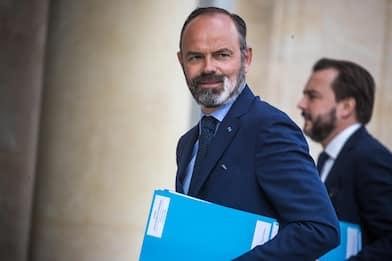 Francia, il premier Philippe si dimette: al via il rimpasto di Governo