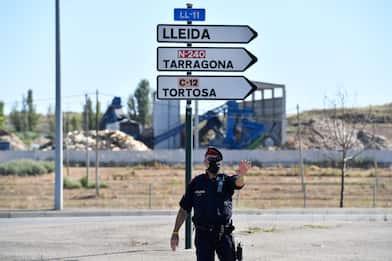 Coronavirus Spagna, la Catalogna ordina il lockdown in otto comuni