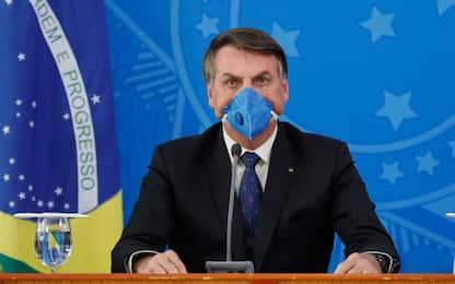 Bolsonaro e il coronavirus, da appelli contro lockdown a test positivo