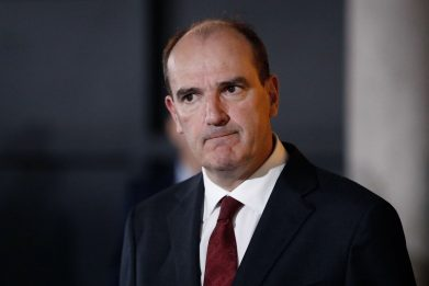 Francia, Jean Castex vara nuovo governo formato da 16 ministri. FOTO