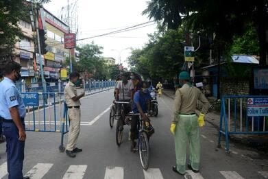 India, bevono disinfettante per mani durante lockdown, almeno 9 morti