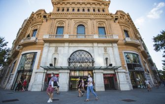 BARCELONA, SPAIN - JULY 17: View of the Comedia cinema the day before the new Catalan government regulations come into force, ordering again the closure of cinemas, theaters and discotheques due to the crisis caused by COVID-19 on July 17, 2020 in Barcelona, Spain. The Catalan capital's five million residents have been advised to stay home after the number of Coronavirus cases spiked in the past week.  (Photo by Xavi Torrent/Getty Images)