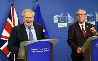 BRUSSELS, BELGIUM - OCTOBER 17:  (L - R) Prime Minister of United Kingdom Boris and Jean Claude Juncker President of European Commission during the press conference to the European Commission prior the  European Parliament on October 17, 2019 in Brussels, Belgium.  Officials announced earlier in the day that EU and UK negotiators have reached an agreement on the United Kingdomâ  s departure from the EU. (Photo by Pier Marco Tacca/Getty Images)