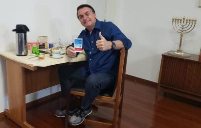 Coronavirus Brasile, il presidente Jair Bolsonaro negativo al test