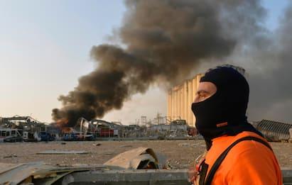 Forti esplosioni a Beirut, 78 morti. Ferito militare italiano