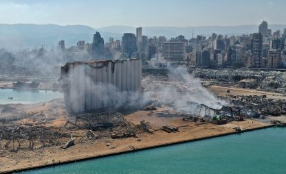 Esplosione a Beirut, almeno 100 morti. In oltre 300mila senza casa