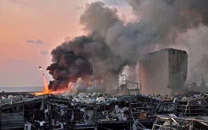 Esplosione a Beirut, scoppia nitrato d'ammonio: almeno 100 morti