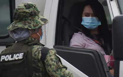 Covid, Filippine: Duterte minaccia la prigione per chi non si vaccina