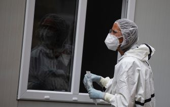 epa08563637 A health worker prepares to carry out PCR tests for COVID-19 at Pirogov hospital in Sofia, Bulgaria, 24 July 2020. BulgariaÂ?s Chief State Health Inspector declared on 24 July that the country has seen rising COVID-19 cases in the past weeks.  EPA/VASSIL DONEV