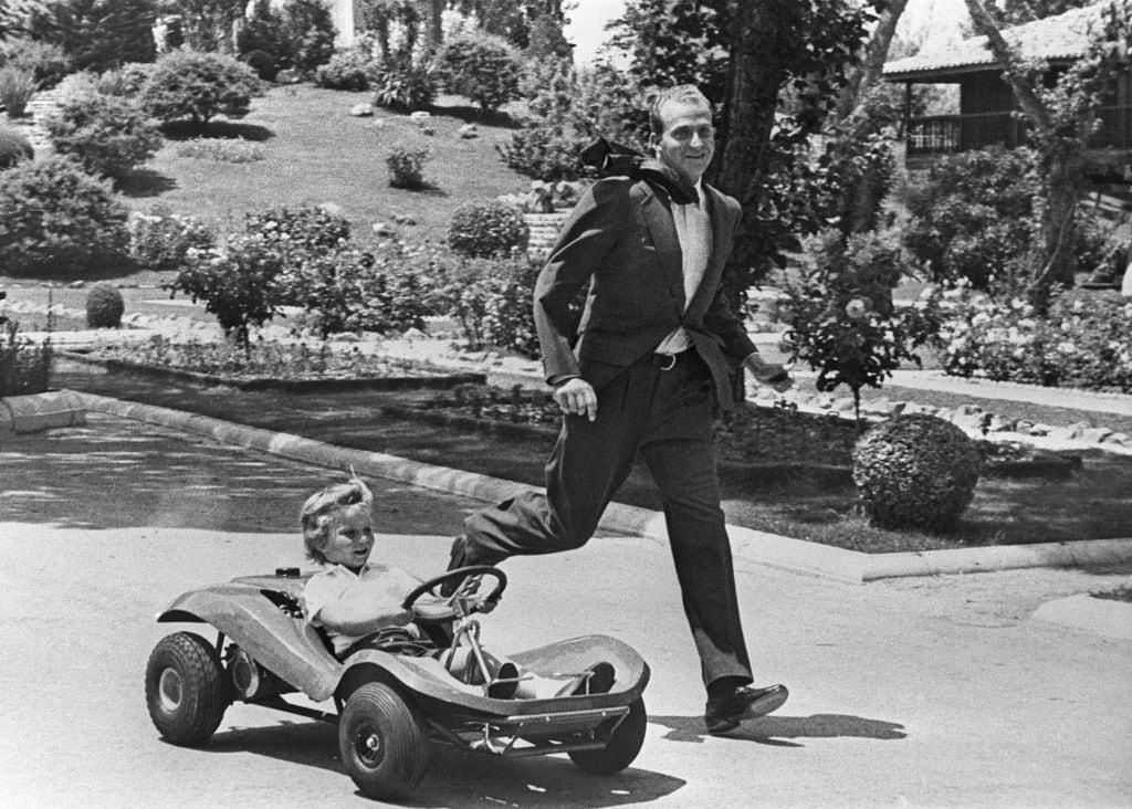Juan Carlos e il principe Felipe nei giardini della Zarzuela