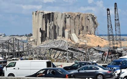 Esplosione a Beirut, a un mese dal disastro si cercano sopravvissuti