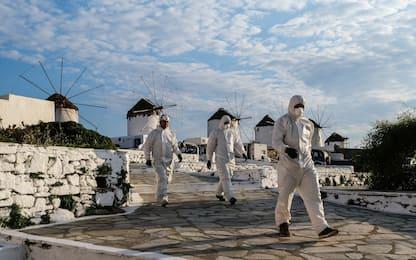 Covid, Grecia: obbligo vaccino ai sanitari e green pass per ristoranti
