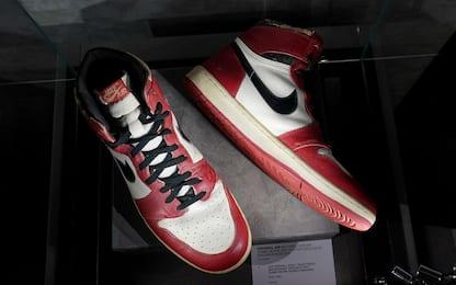 Scarpe di Michael Jordan battute all'asta per 615mila dollari