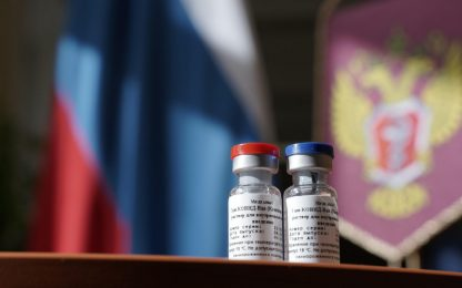 """Coronavirus, la Russia annuncia: """"Prodotto il primo lotto di vaccino"""""""