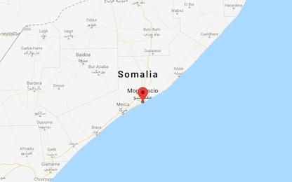 Somalia: attacco contro un hotel a Mogadiscio: almeno 15 morti