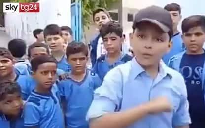 Gaza, spopola sul web rapper undicenne fan di Eminem. VIDEO