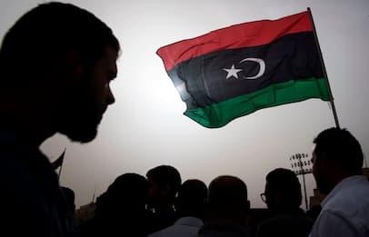 Svolta in Libia, ordinato cessate il fuoco, elezioni a marzo