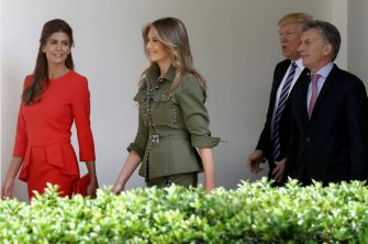 WASHINGTON, DC - APRIL 27:  U.S. President Donald Trump and first lady Melania Trump (L) walk with President Mauricio Macri of Argentina and the first lady of Argentina, Juliana Awada (2nd L), shortly before meeting in the Oval Office April 27, 2017 in Washington, DC.  Trump is scheduled to meet with Macri throughout the morning and early afternoon to discuss a range of bilateral issues.  (Photo by Win McNamee/Getty Images)