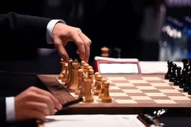 YouTube, bianco Vs nero: video di scacchi bloccato per razzismo