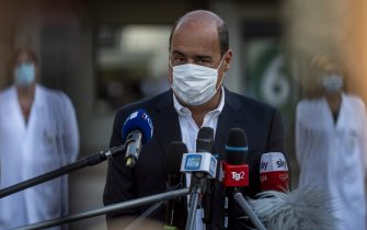 ROME, ITALY - AUGUST 24: President of the Lazio region Nicola Zingaretti holds a press conference at the start of the trial of the first anti Covid-19 vaccine on humans at Spallanzani Institute, on August 24, 2020 in Rome, Italy. (Photo by Antonio Masiello/Getty Images)