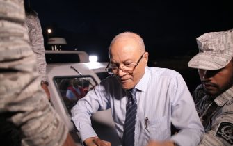Former President Of Maldives Maumoon Abdul Gayoom (C) disembarks from a boat coming from the custodial island of Dhoonidhoo to attend a hearing at the High Court of Maldives in Male on September 30, 2018. - Former President Gayoom has been granted bail by the HIgh Court on September 30. (Photo by Ahmed SHURAU / AFP) (Photo credit should read AHMED SHURAU/AFP via Getty Images)