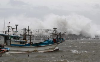 epa08651911 Large waves break over a coastal wall at Imwon harbor in Donnghae, Gangwon-do province, South Korea 07 September 2020. According to the Korea Meteorological Administration (KMA) on 07 September, Typhoon Haishen is heading northward to the South Korean port city of Busan, bringing heavy rains and strong winds to the nation.  EPA/JEON HEON-KYUN