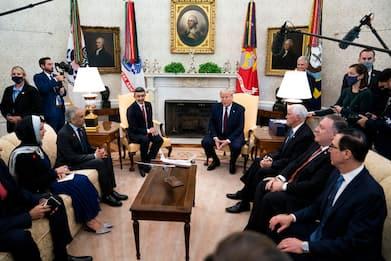L'accordo tra Israele, Emirati e Bahrein firmato alla Casa Bianca