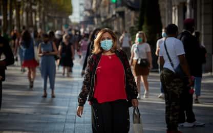 Coronavirus, in Francia record di nuovi contagi: 13.215 in 24 ore